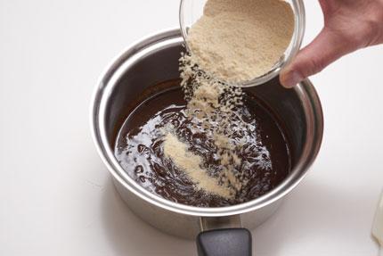 鍋におからパウダー