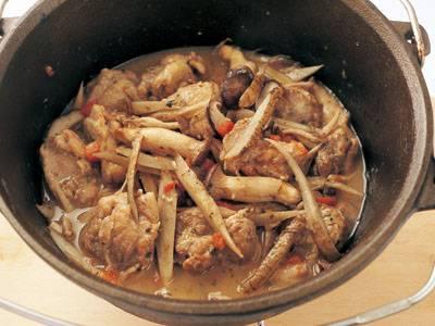 鶏・ごぼう・きのこの煮込み レシピ 室井 克義さん|【みんなのきょうの料理】おいしいレシピや献立を探そう