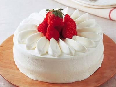 Japanese Strawberry Shortcake Cake