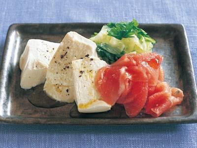 セロリと生ハムの オリーブオイル冷ややっこ レシピ 鈴木 薫さん|【みんなのきょうの料理】おいしいレシピや献立を探そう