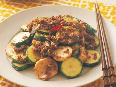 牛ひき肉とズッキーニの炒め物 レシピ ほりえ さわこさん|【みんなのきょうの料理】おいしいレシピや献立を探そう