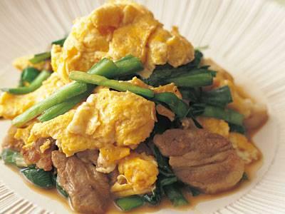 相性のよい\u0026quot;豚にら\u0026quot;に卵を加え、栄養&ボリュームアップ。卵は2度火にかけるので、最初にいためるときには火を通しすぎないように。