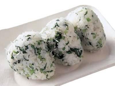 小松菜とじゃこのおむすび
