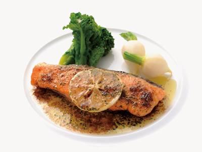 鮭(さけ)のムニエルレシピ 講師は滝本 将博さん|使える料理レシピ集 みんなのきょうの料理 NHKエデュケーショナル