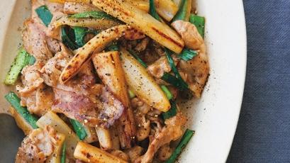 【今日の料理】【今日の料理】棒れんこんと豚こまのオイスター炒め