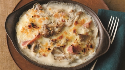 【今日の料理】【今日の料理】きのことベーコンのグラタン