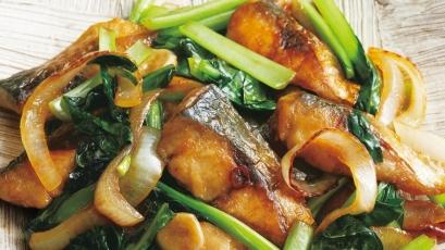 【今日の料理】【今日の料理】さばと小松菜のスタミナ炒め