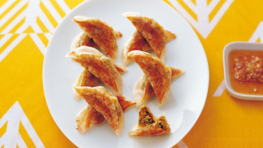 カレー風味のパリパリ焼ギョーザ レシピ 矢尾板 渉さん|【みんなのきょうの料理】おいしいレシピや献立を探そう