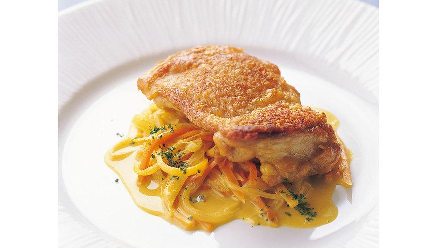 鶏もも肉のソテー カレーソース レシピ 菊地 美升さん|【みんなのきょうの料理】おいしいレシピや献立を探そう