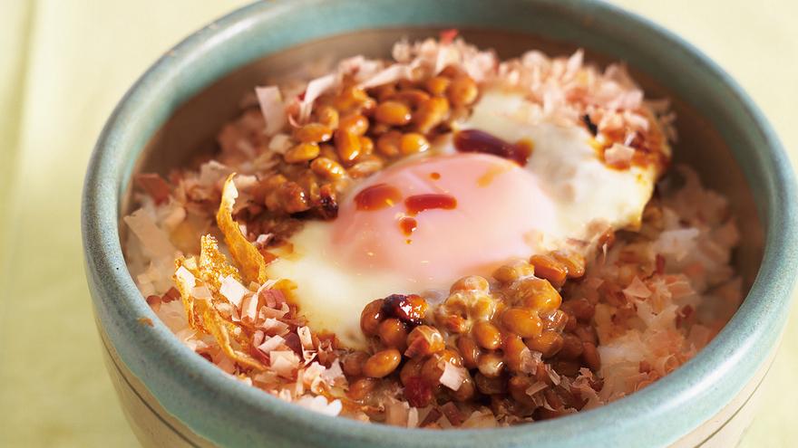 焼き納豆丼 レシピ 小泉 武夫さん|【みんなのきょうの料理】おいしいレシピや献立を探そう