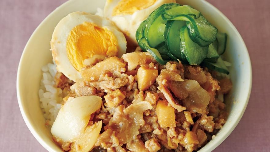 【今日の料理】【今日の料理】春野菜の台湾風そぼろご飯