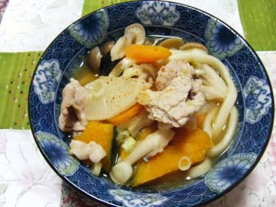 長崎産のかぼちゃがホクホクとても美味しい。レンジである程度柔らかくしました。太いおうどんで代用。また作りたい一品です。